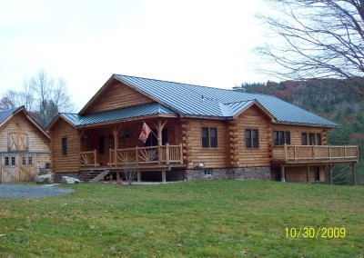 Randy Wiggin from Chester Vt was the builder for this Grarton Vt second home.